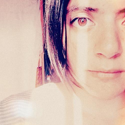 Camila P. Larrea Villalba's avatar