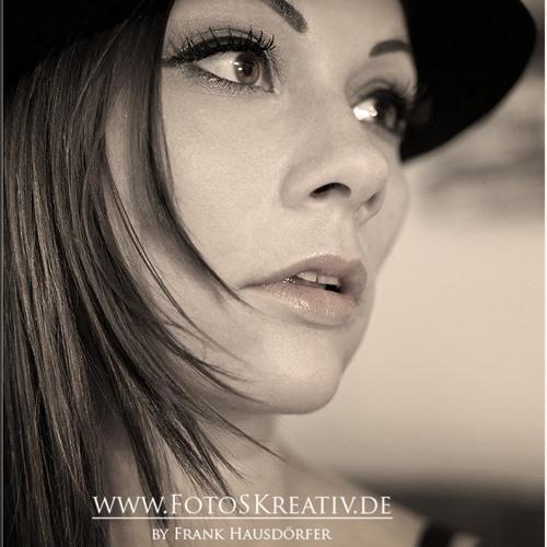 Alexandra M's avatar