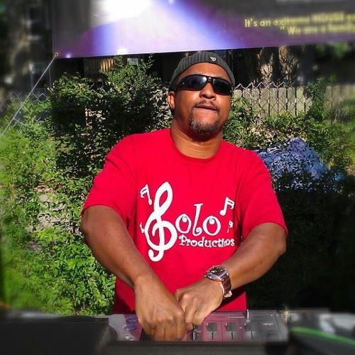 DJ Brett's avatar