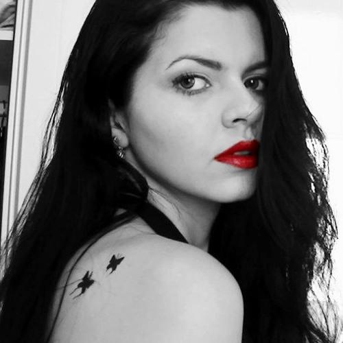 Gaby De Paula's avatar