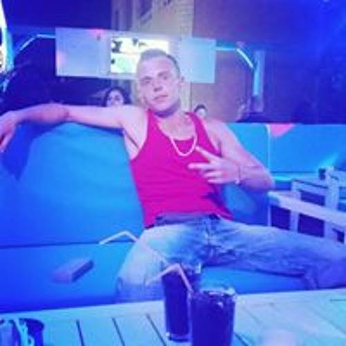 Daniel Eskalation's avatar