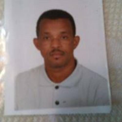 Junior Pina 4's avatar