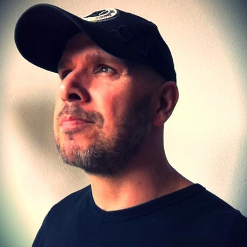 Roni Sleck's avatar