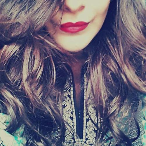 Izza Khalid's avatar