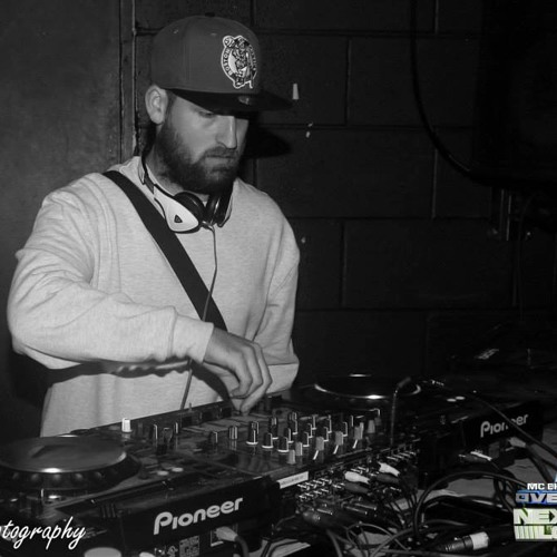 DJ B-TAY(MultiFunction)'s avatar