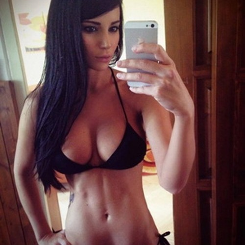 Emily Johnson <3's avatar