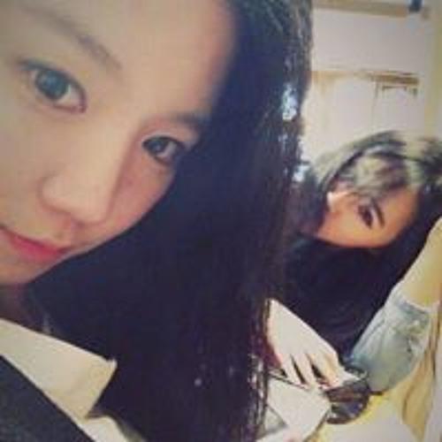 Vera  Choi's avatar