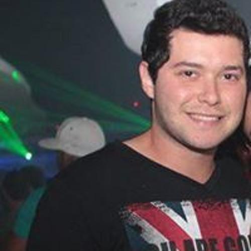 Lucas Azevedo 81's avatar