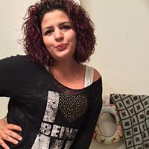 Viane Ortiz's avatar