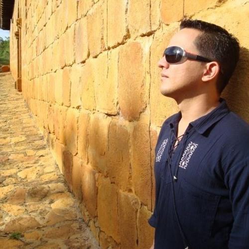 Carmona Franco's avatar