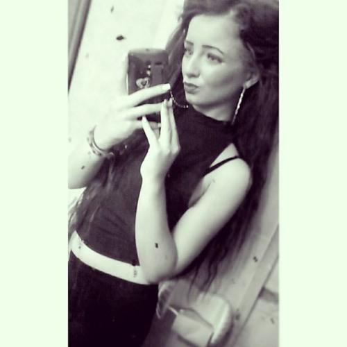 Chloe Lewis 11's avatar