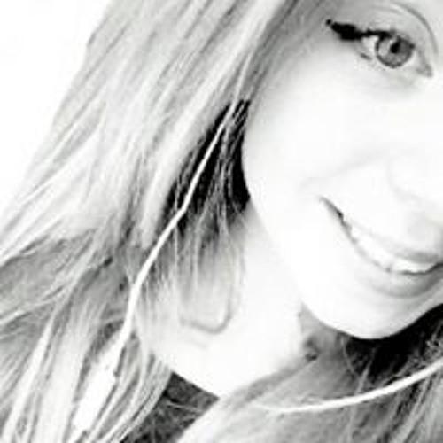 Kyra Chaloppee's avatar