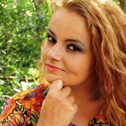 Natalhia Britos's avatar