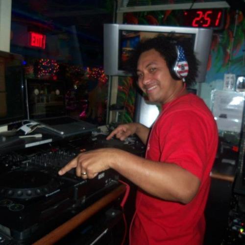 DJ-David Tavarez's avatar