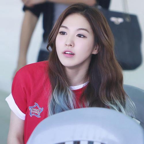 YeonJu Lee 2's avatar