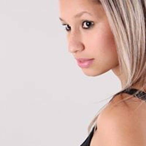 Brenda Rodrigues's avatar