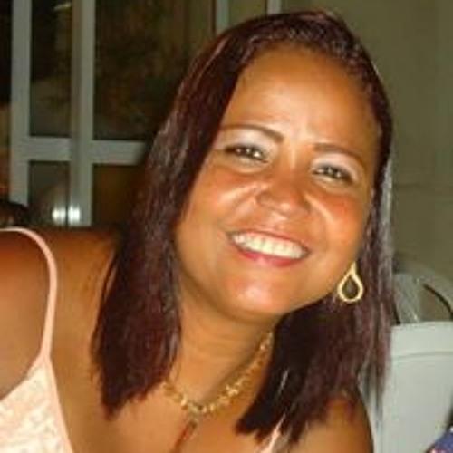 Claudia Coelho's avatar