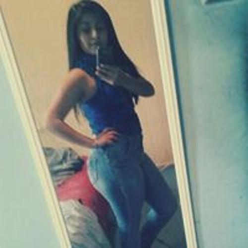 Innes Mariana's avatar