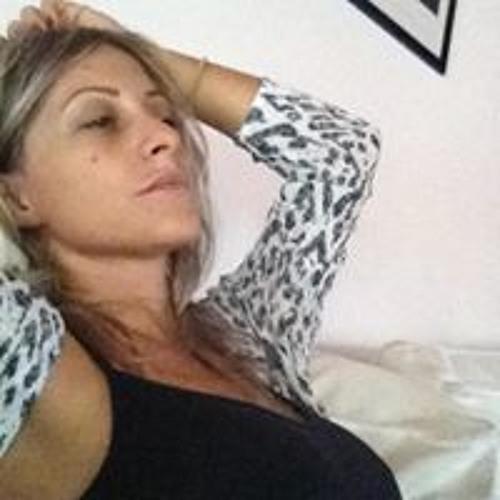 Lucrecia Quiroga's avatar