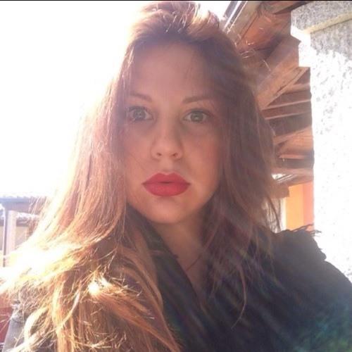 Chanel <3's avatar