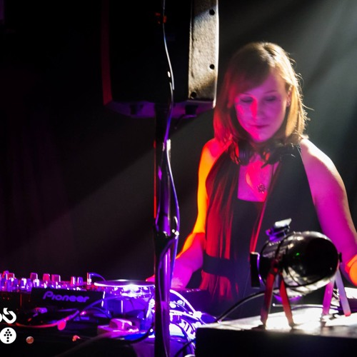 DJ Amelia's avatar