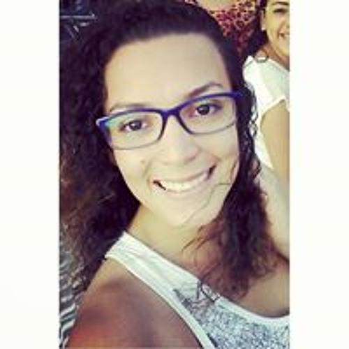Isadora Santana's avatar