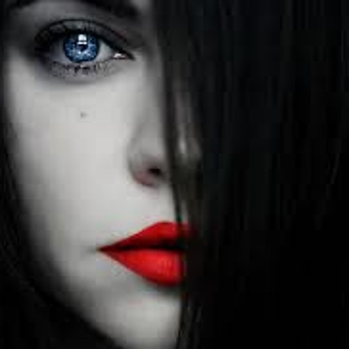Lisa Dupont's avatar