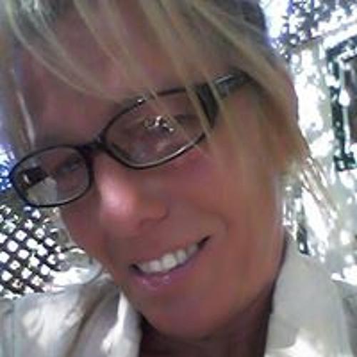 Jeanine Hardina-Quinn's avatar