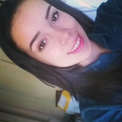 Lariiissa Aline's avatar