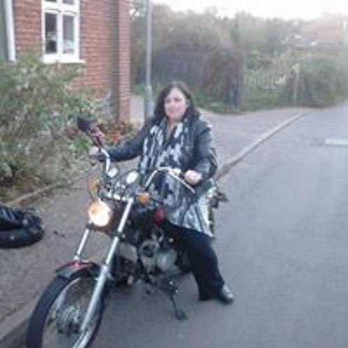 Lorraine Savage's avatar