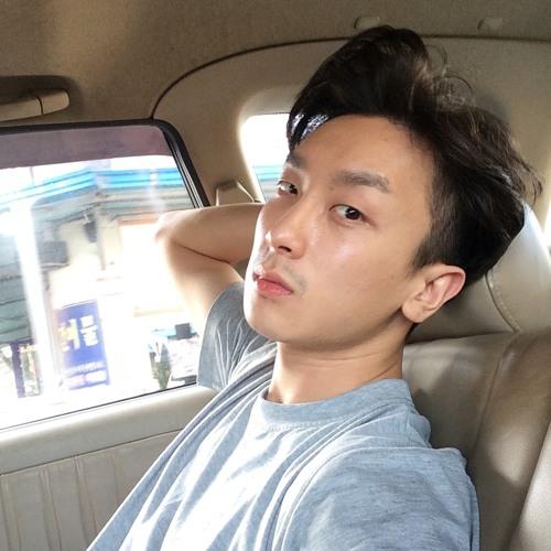 lukasjang's avatar