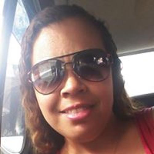 Paula Santos's avatar