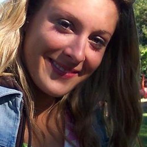 Lisa Torres's avatar