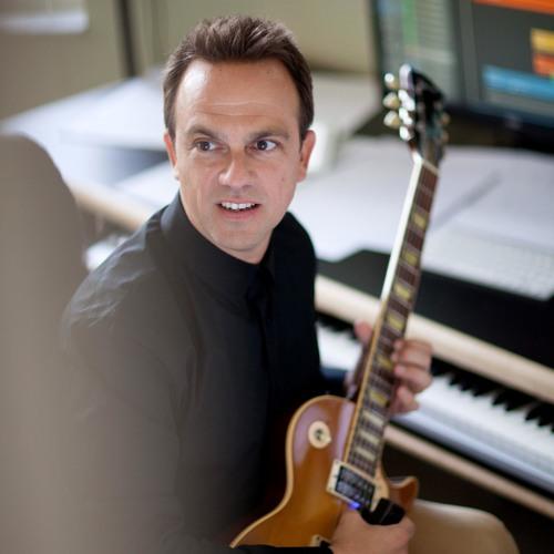 Carlos Rafael Rivera's avatar