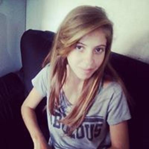 Larissa Mello's avatar