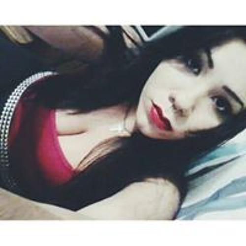 Larissa Gonçalves's avatar