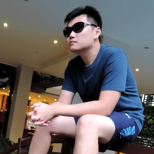 Larry Tan's avatar