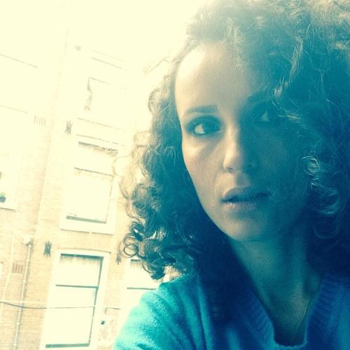 Valisia Vyza's avatar