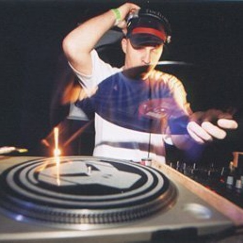 DJKoloral's avatar