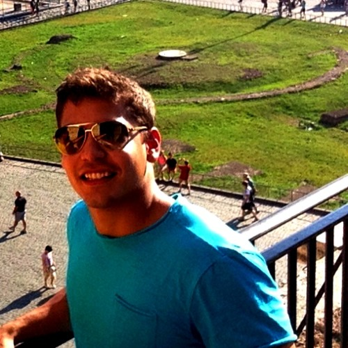 Luciano M Gomes's avatar