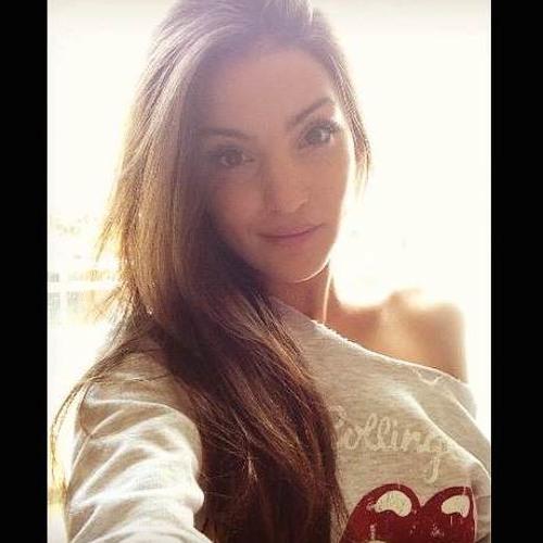 Virginie Djn's avatar