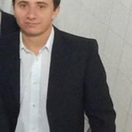 Gustavo Prado's avatar