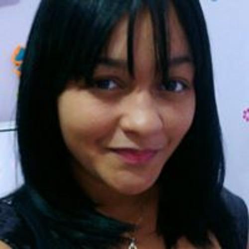 Amanda Tavares's avatar
