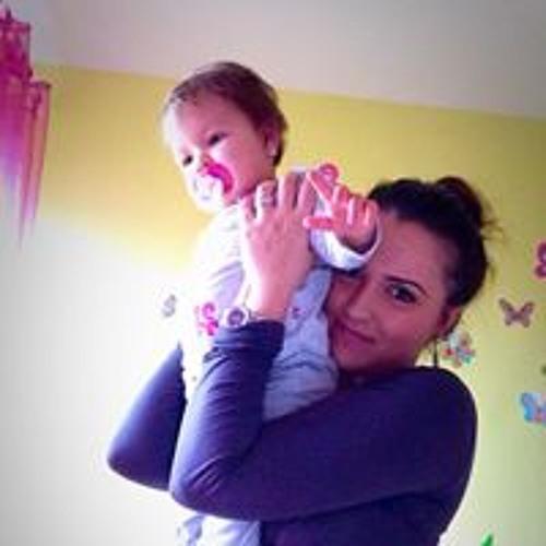 Roxana Adriana's avatar