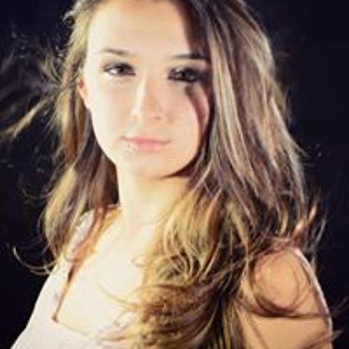 Luana Belchior's avatar