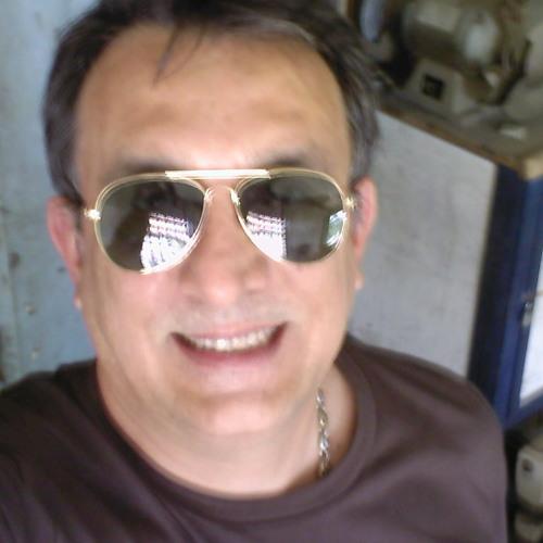 Leo Mario's avatar