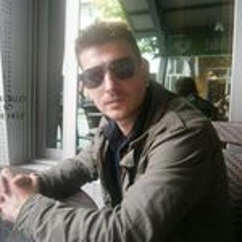 Tom Georgiev's avatar