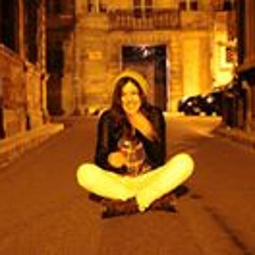 Sharline Roux Zuiguigui's avatar