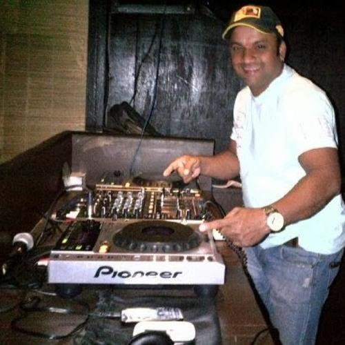willy d b santiago's avatar