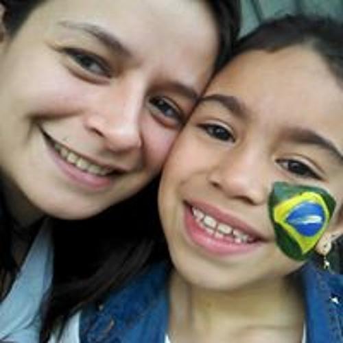 Ariane Freitas Pedrosa's avatar